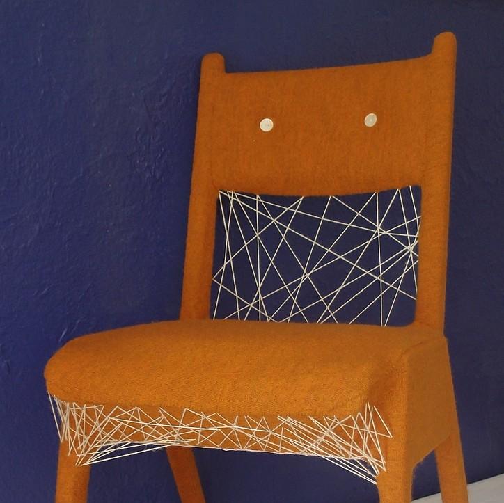 Stuhl blau hg 723x723