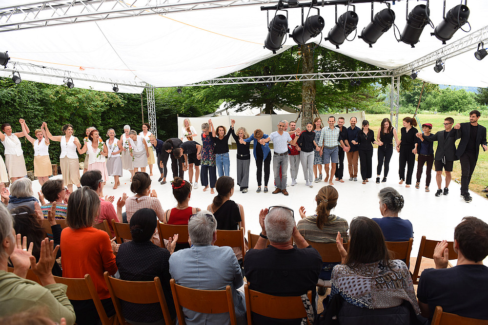 In-Zeit-Sprung 8 'Dona'm la Ma' im Rosenhof