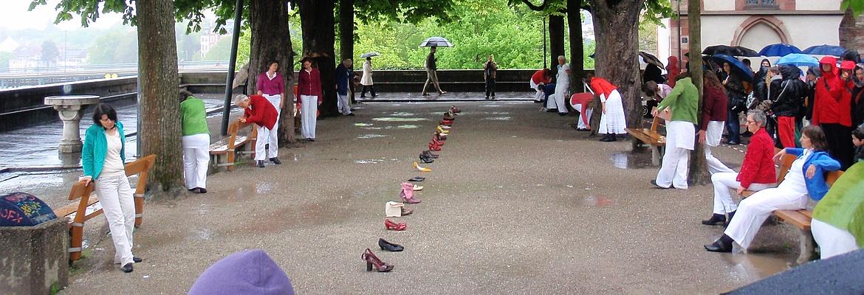 'Spaziergang' Urban Performance von In-Zeit-Sprung in Basel 2013